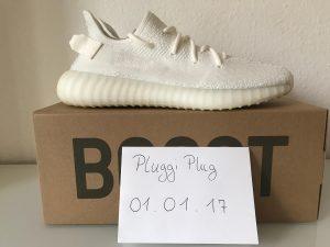 Schuh auf Karton